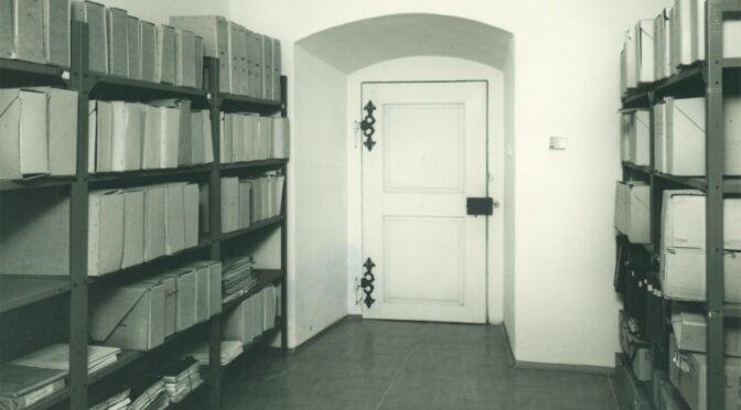 Omezení nahlížení do archivního fondu Národní galerie vPraze (1945–1990)